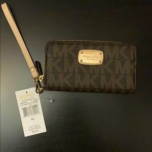 Michael Kors Wristlet. Brand new with tags